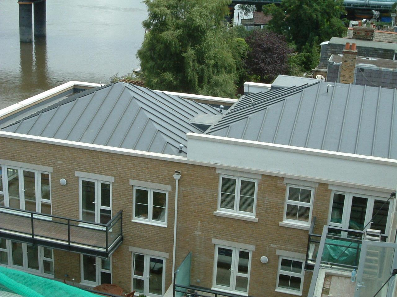Hellend dak met staande naad